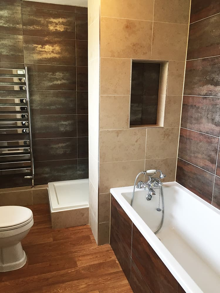 Bathroom tiler - Domestic and commercial tiling contractors for Oxford